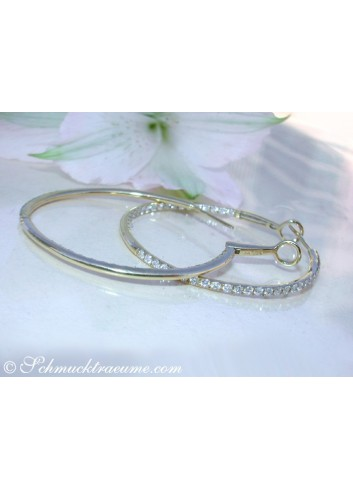 Pretty Hoop Earrings with Diamonds