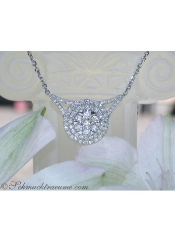 Dreamlike Diamond Necklace