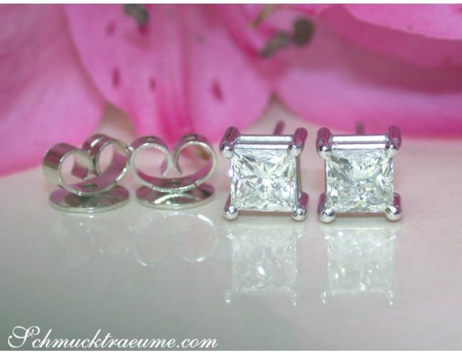 Timeless Princess Diamond Solitaire Studs (1,50 ct.)