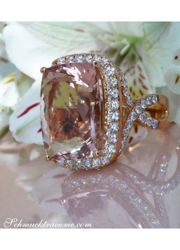 Morganit Ring mit Brillanten in Roségold 750