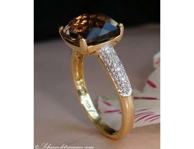 Precious Smoky Quartz Ring with Diamonds