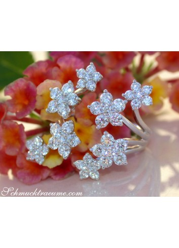 Exquisite Diamond Blossom Ring