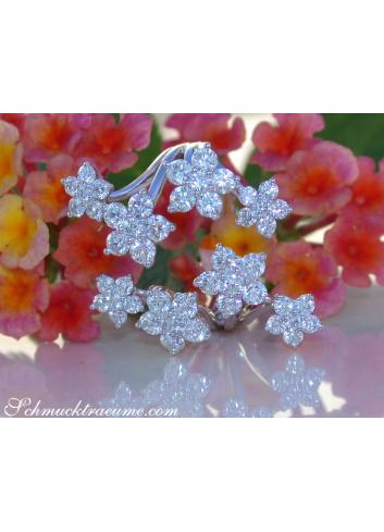 Exquisite Diamond Blossom Ring