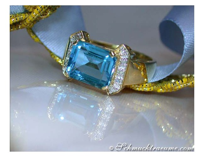 Fine Blue Topaz Ring with Diamonds