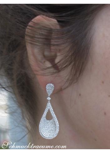 Stattliche Brillanten Ohrgehänge in Weißgold