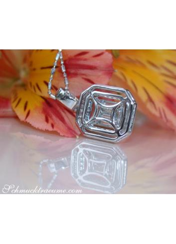 Brillanten Anhänger mit Diamanten im Baguette Schliff