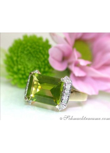 Fine Peridot Ring with Diamonds