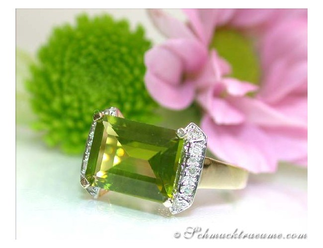 Fine Peridot Diamond Ring