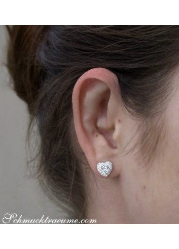 Feminine Diamond Hert Stud Earrings