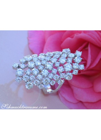 Extra Stately Diamond Ring
