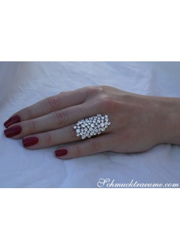 Extra Stately Diamond Ring