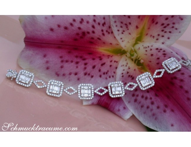 First Class Diamond Bracelet with Baguette Diamonds