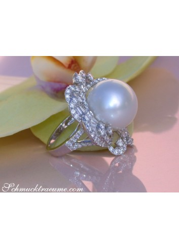 Magnificent AAA Southsea Pearl Ring with Diamonds (Ø 16 mm)
