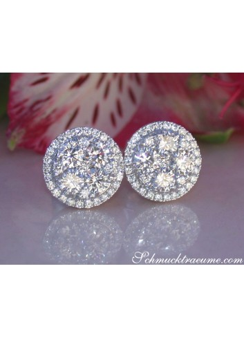 Exquisite Round Diamond Studs