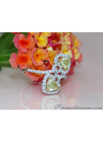 Feminine Diamond Heart Ring with Yellow Diamonds