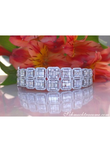 High Carat Diamond Bangle with Baguette Diamonds (5.64 ct.)