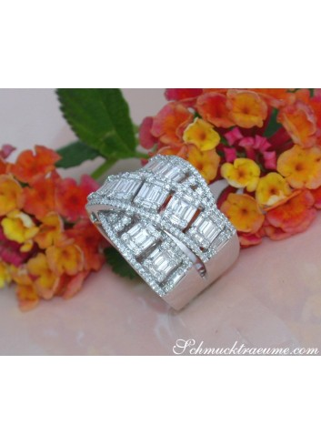 Tremendous Crossover Diamond Ring with Baguette Diamonds