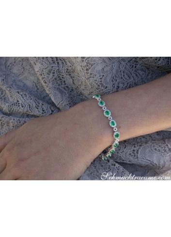 Exquisite Emerald Bracelet with Diamonds