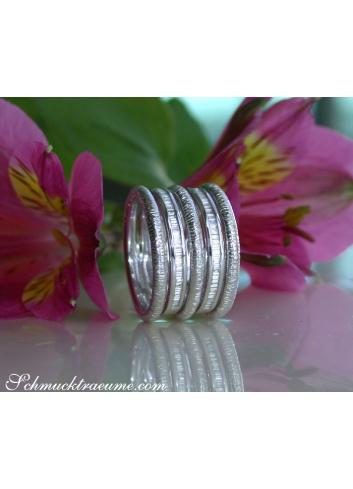 Puristischer Weißgold Ring mit Diamanten