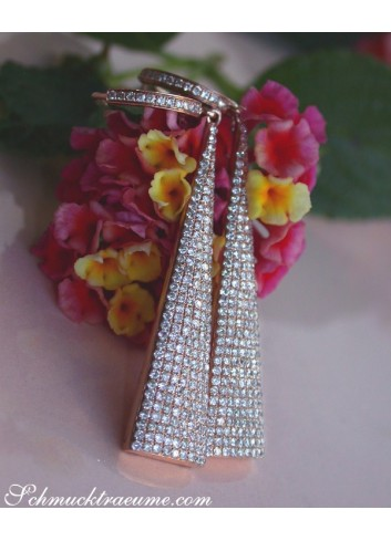 Interesting Diamond Earrings in Rosegold