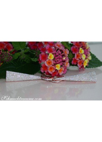 Interesting Diamond Earrings in Rosegold