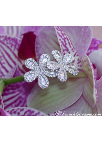 Precious Diamond Flower Earrings in White gold 14k