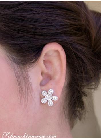 Precious Diamond Flower Earrings in White gold 14k
