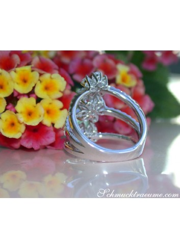 Dreamlike Diamond Blossom Ring