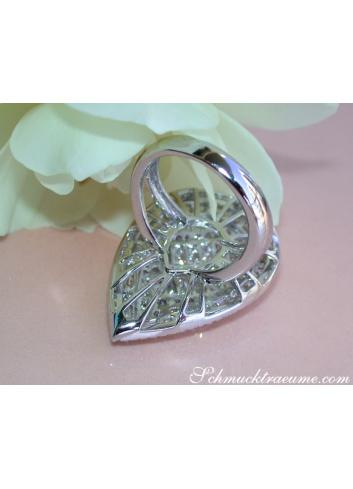 Prestigious Diamond Pear Ring in Whitegold 18k (4.27 ct.)
