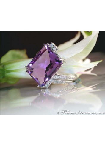 Impressive Amethyst Ring with Diamonds