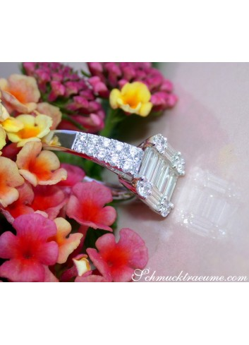 Tremendous Diamond Ring with extra long Baguette Diamonds