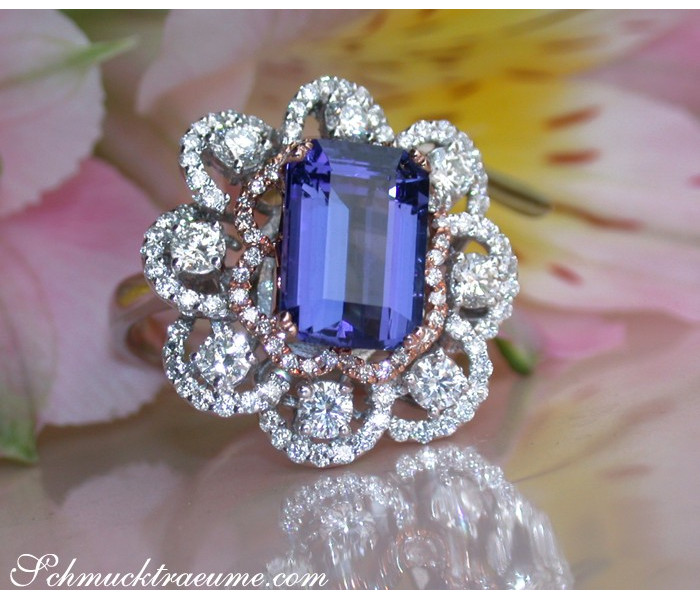 Exceptional AAA Tanzanite Ring with Diamonds