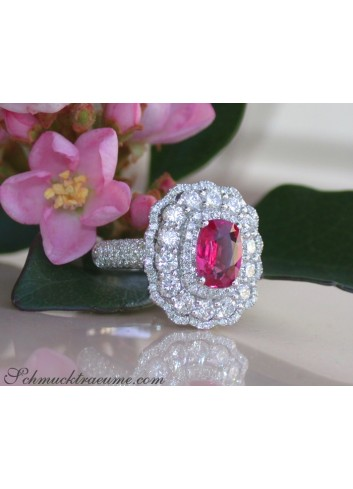 Magnificent Ruby Ring with Diamonds