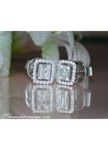 Beautiful Diamond Earrings (Baguette and Brilliant Cut)