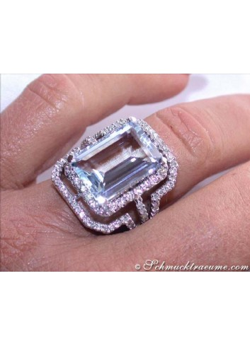 Excellent Aquamarine Diamond Ring