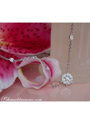 Exquisite Diamond Necklace in Whitegold 18k
