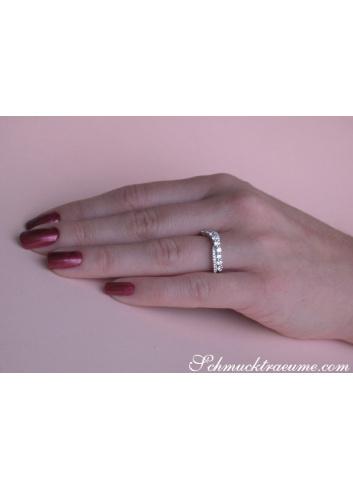 Überkreuzter Band Ring mit Brillanten in Weißgold 750