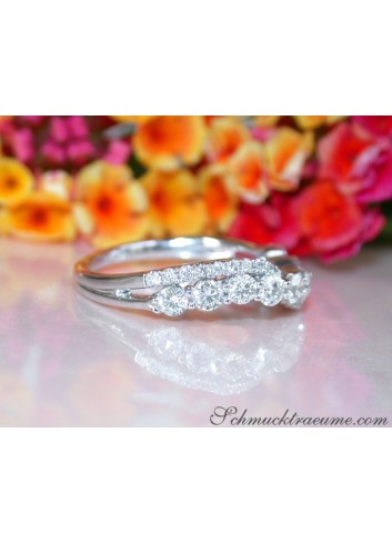 Crossover Diamond Band in Whitegold
