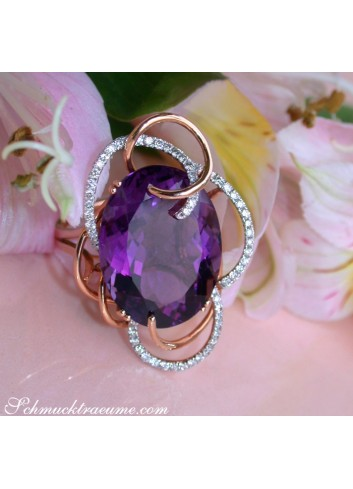 Extraordinary Amethyst Ring with Diamonds