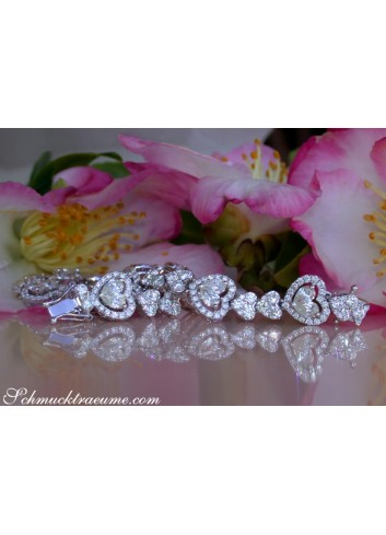 Tremendous Diamond Heart Bracelet (8.95 ct.)