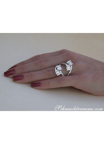 Extravagant Diamond Ring in Whitegold 18k