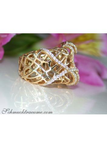 Unusual Diamond Ring in Yellowgold