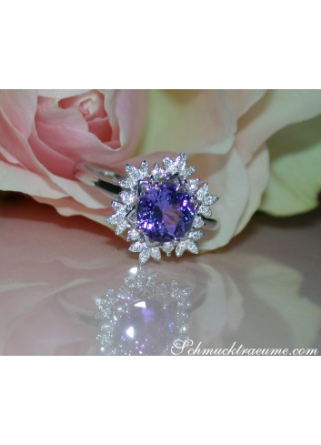 Feminine Snowflake Style Tanzanite Ring with Diamonds