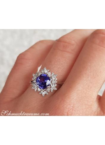 Feminine Snowflake Style Tanzanite Ring with Diamonds