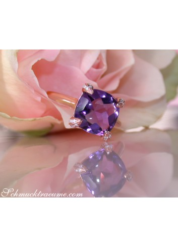 Enchanting Amethyst Ring with Diamonds