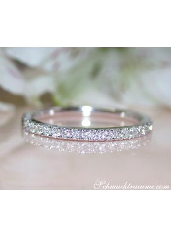 Memory Ring mit weißen und schwarzen Diamanten