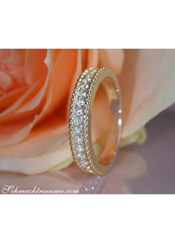 Diamanten Ring im Kordel Design