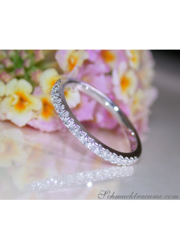 Cute Diamond Eternity Ring in White gold 14k