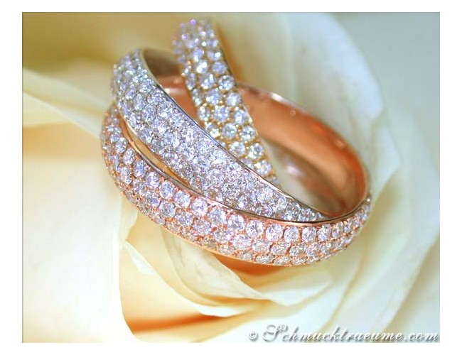 Dreamlike Interlaced Diamond Ring