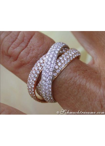Dreamlike Interlocking Diamond Ring